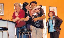 Das Theaterstück der Theatergruppe Wägital verspricht Action, Witz, Verwechslungen und Situationskomik am laufenden Band. Bild Louis Hensler