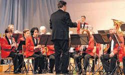 Geheimagent James Bond lässt grüssen: Die Musikgesellschaft Reichenburg überzeugte mit bekannten Melodien. Bilder Yasmin Jöhl