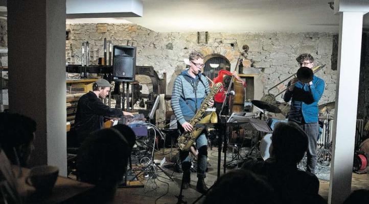 Die Band Strom eröffnete den Konzertabend mit ihrer Musik zwischen Jazz und Pop. (Bild Maria Schmid)
