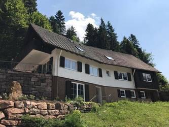 Das Ferienhaus Lohmühle hat eine Wohnfläche von 300 qm und verfügt über sieben Schlafzimmer