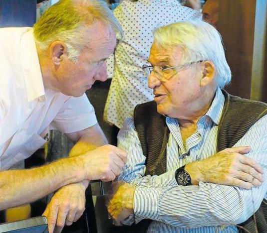 Klaus Wallimann (links) vom Bereich Gastro und Regisseur Kurt Studer. (Bild PD)