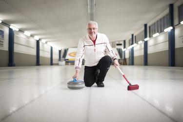 «Als Curling-Spieler ist man stets mit dem «Lesen» des Eises beschäftigt.»