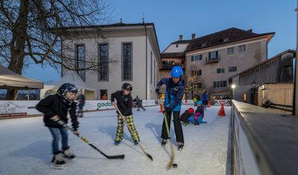 Schloss-Eisbahn Grüningen