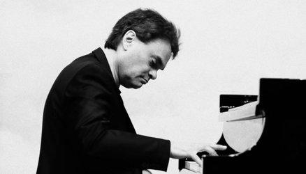 Matinée: Konzert mit dem amerikanischen Pianisten Dr. Anthony Tobin