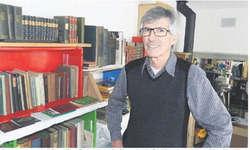 Er bringt sein enormes Wissen über Rothenthurm im November in Buchform heraus: Lokalhistoriker Albert Marty. Foto: Archiv EA