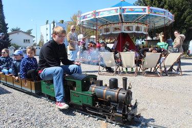 Frühlingsmarkt - Dampfeisenbahn