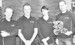 Brian Kelly (zweiter v. l.) und sein Team beraten ihre Kunden rund ums Thema Radsport. Bild Jasmine Helbling