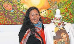 Die Steinerin Rosa María Schuler-Bermúdez zeigt im Restaurant Husmatt in Steinen ihre Kunstwerke. Bild PD