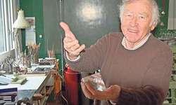 Der Merlischacher Künstler Hans Stalder freut sich: Die Ausstellung in Andermatt ist für ihn ein verspätetes Geschenk zum 80. Geburtstag.