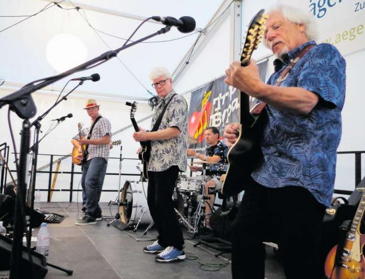 Beim Auftritt von «Triple Bypass» kamen Freunde von Bruce Springsteen, Queen und Led Zeppelin auf ihre Kosten. (Bild Peter P. Knobel)