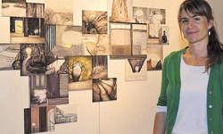 Inspiration aus Paris: Diana Seeholzers Werke sind geheimnisvoll und regen zum Nachdenken an. Bilder Martina Blunschy