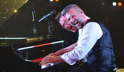 Chris & Mike – Smile (Piano Entertainment)