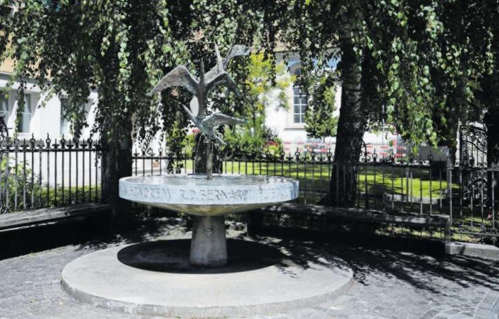 Zum Gedenken an den ersten Wilägerer Pfarrer: Maria Luisa Wigets Fliegauf-Brunnen. (Bild Stefan Kaiser)