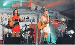 Die Honky Tonk Angels begeisterten das Publikum der Country Night in Bäch. Bild Kurt Kassel