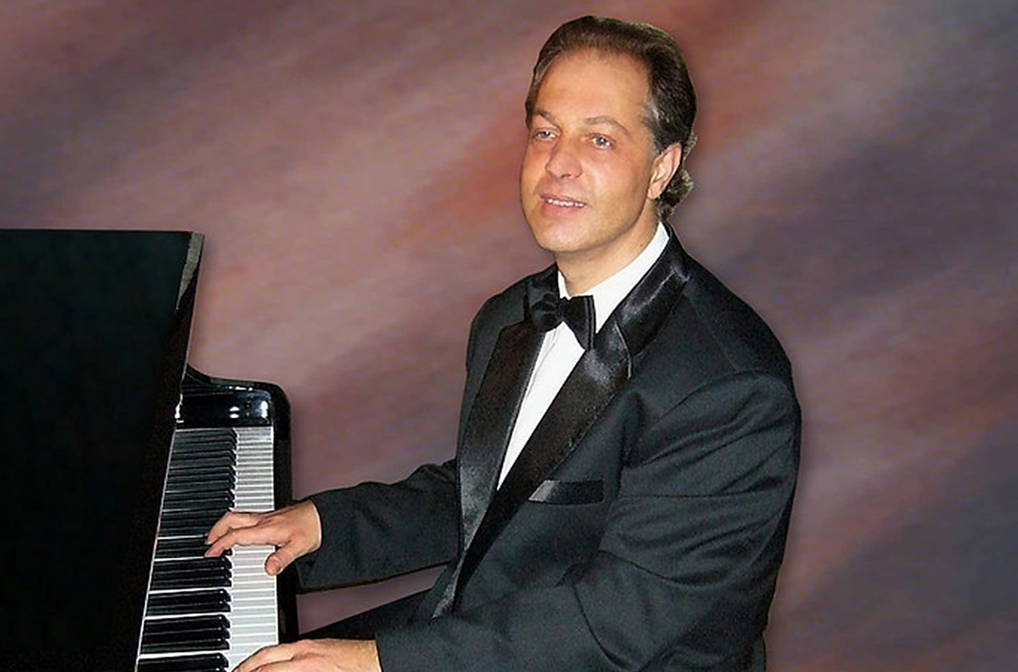 September Pianist: Toby Jonas