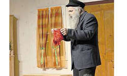 Das Corpus Delicti: Der Grossvater findet das «Hösli» in seiner Tasche. Wohin damit? Bild Florian Joller