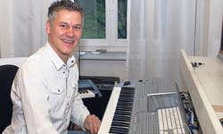 Philipp Mettler: Am Wochenende hat er dem Lied «Laui-Stafette» den letzten Schliff gegeben. Bild Bianca Anderegg
