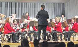 Die Konzertdarbietungen der Musikgesellschaft Reichenburg unter der Leitung von Patrick Gründler vermochten die Gäste zu begeistern. Bilder Paul Diethelm