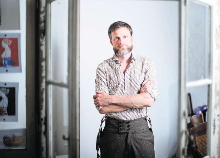 Philip Weber aus Zug spielt die Rolle eines teuflischen Schattens. (Bild Stefan Kaiser)