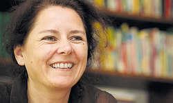 Schreibt von Ausbruchversuchen: Annemarie Regez (47). (Bild Laura Vercellone)