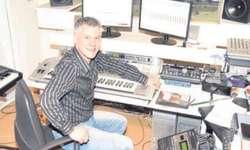Der Reichenburger Komponist, Arrangeur und Musiker Philipp Mettler wurde kürzlich 40 Jahre alt.  Bild Irene Lustenberger