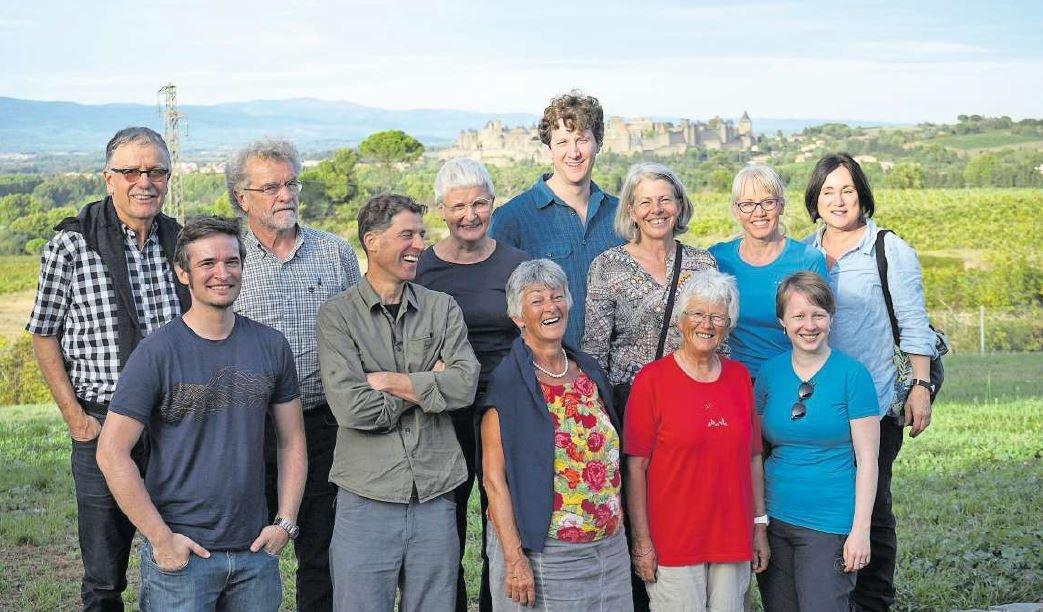 Die Reisegruppe des Archäologischen Vereins Zug vor dem mittelalterlichen Carcassonne. (Bild PD)