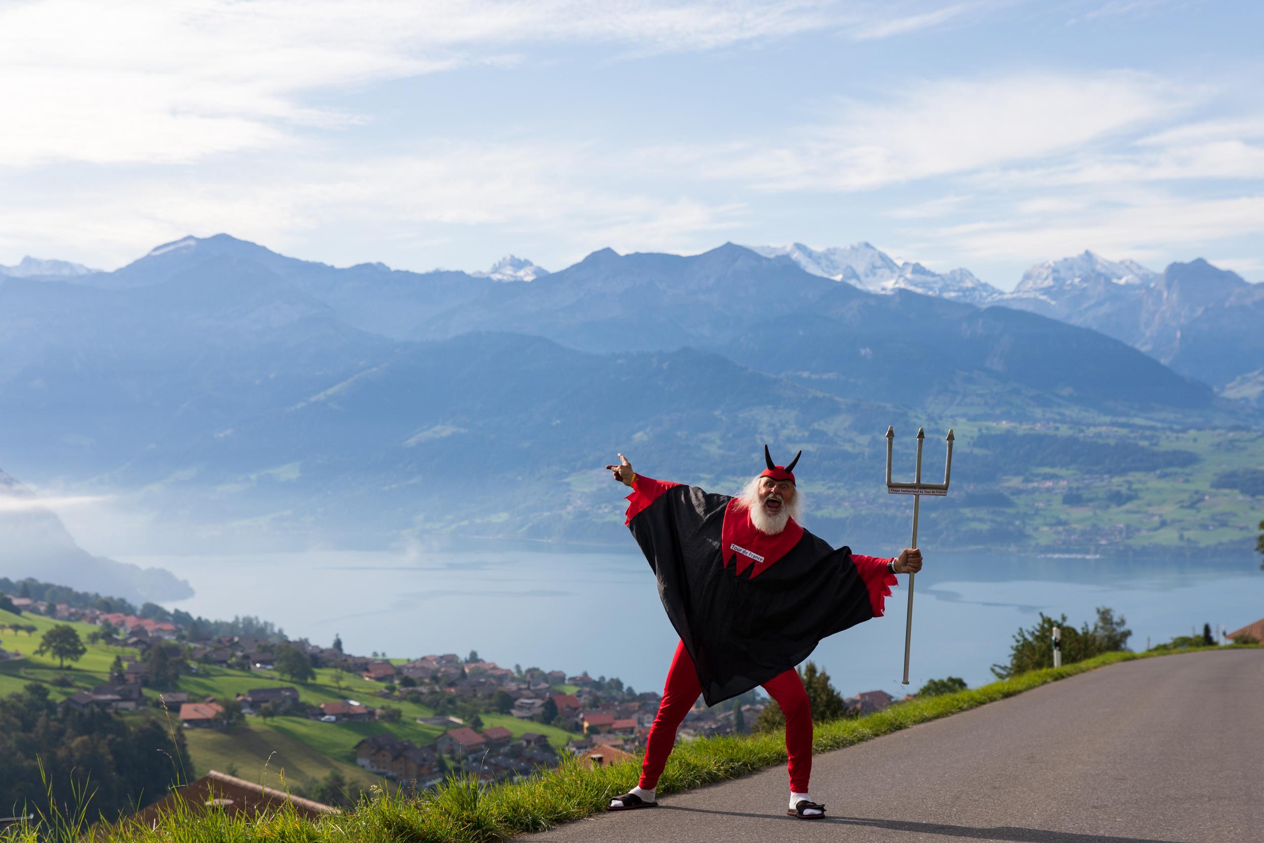 Tour-Teufel Didie Senft anfeuerung unterwegs