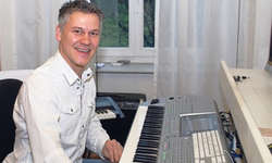 Philipp Mettler, hier in seinem Studio, konnte bereits sein neunte CD taufen.