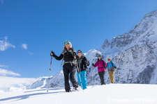 Auf Schneeschuhen das UNESCO Welterbe Sardona entdecken