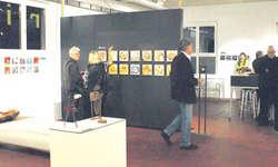 Am Donnerstag eröffnete die Adventsausstellung «arte piccolo» in der Galerie Matthys in Wollerau. Bild Tanja Holzer