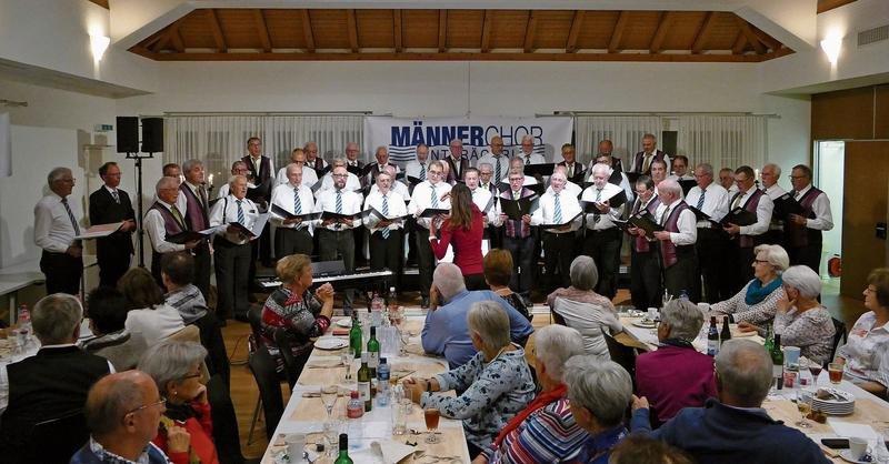 Der Männerchor Unterägeri konnte beim Singplausch vor 150 Personen auftreten. (Bild PD)