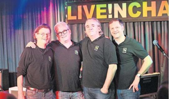 Verabschieden sich nach 14 Jahren von ihrem Publikum: «Live in Cham»-Macher Polo Fischer, Markus Stoller, Christoph Walker und Martin Kaufmann (von links). (Bild Charly Keiser)