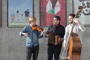 Andreas Gabriel (Geige) / Markus Flückiger (Schwyzerörgeli) / Pirmin Huber (Kontrabass)
