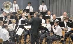 Der Musikverein Sattel in Aktion: Wer ein Blasinstrument oder das Schlagzeugspielen erlernt, wird vom Musikverein finanziell unterstützt. (Archivbild)