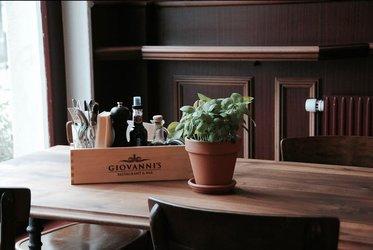 Giovanni's Restaurant & Bar - 1