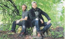 Die Macher des ersten Ruchweid-Open-Airs: Wirt und Koch Max Ziegler sowie Musiker Pirmin Huber. Bild Frieda Suter