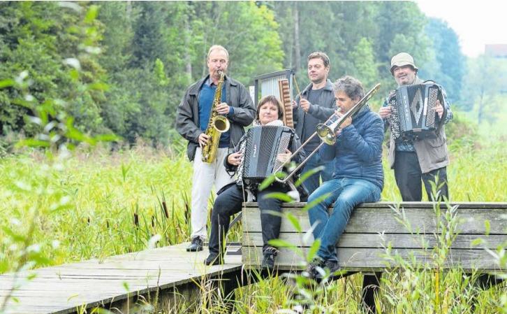 John Voirol (von links), Patricia Draeger, Jean-Pierre Maillard, Andy Mattle und Sergej Simirev. (Bild Jan Pegoraro)