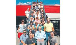Die Theaterlüt vo Bennau auf ihrer Vereinsreise, wo sie gleich ihre GV durchführten. Bild zvg