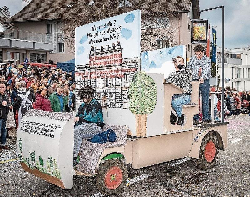 Diese Wagenbauer erteilen Politunterricht. (Bilder Christian H. Hildebrand)