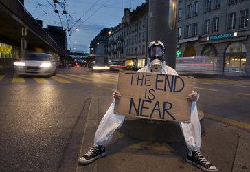 Demonstrant Weltuntergang, Lisa Schäublin / NMBE