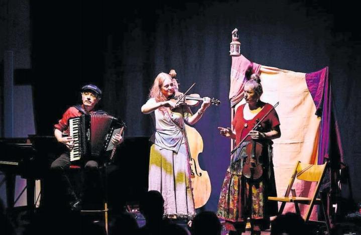 Das Trio Musique Simili spielte im Zentrum Chilematt in Steinhausen. (Bild PD)