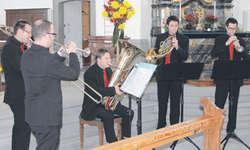 Das Piubrasso-Quintet während seines Spiels in der Pfarrkirche in Feusisberg. Bild Tobias Simonis