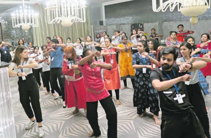 Hip-Hop-Grooves Workshop mit dem Team der MDS & Entertainment am World Congress in Dance Research in Mumbai. (Bild PD)