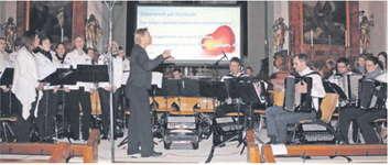 Das Akkordeon Orchester March feiert sein 25-Jahr-Jubiläum und sammelt für krebskranke Kinder.  Bild Janine Jakob