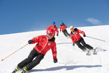 Highly trained experts – for skiing, too: the mountain guides from Zermatt, Täsch and Randa.