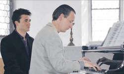 Der renommierte Pianist Timon Altwegg wusste mit seiner Technik in der Hurdner Kapelle zu begeistern.