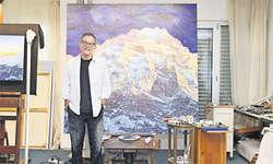 Der einstige Bundesanwalt Valentin Roschacher zeigt die aktuellste Arbeit in seinem Atelier in Wollerau.