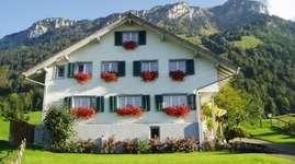 Wohnhaus mit Ferienwohnungen