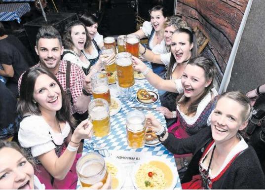 In Hünenberg hat sich das Oktoberfest bereits etabliert. (Bild Werner Schelbert)