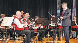 Unter der Leitung von Dirigent Fredy Inderbitzin spielte die Musikgesellschaft Steinerberg schwungvolle Melodien.